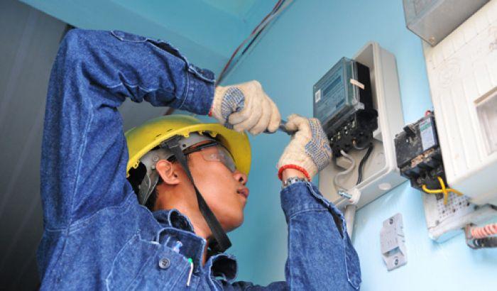 thợ sửa chữa điện dân dụng