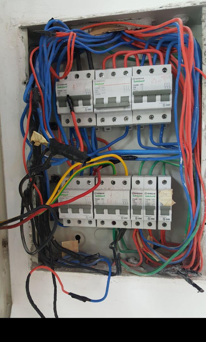 Sửa chữa điện khi bị quá tải điện